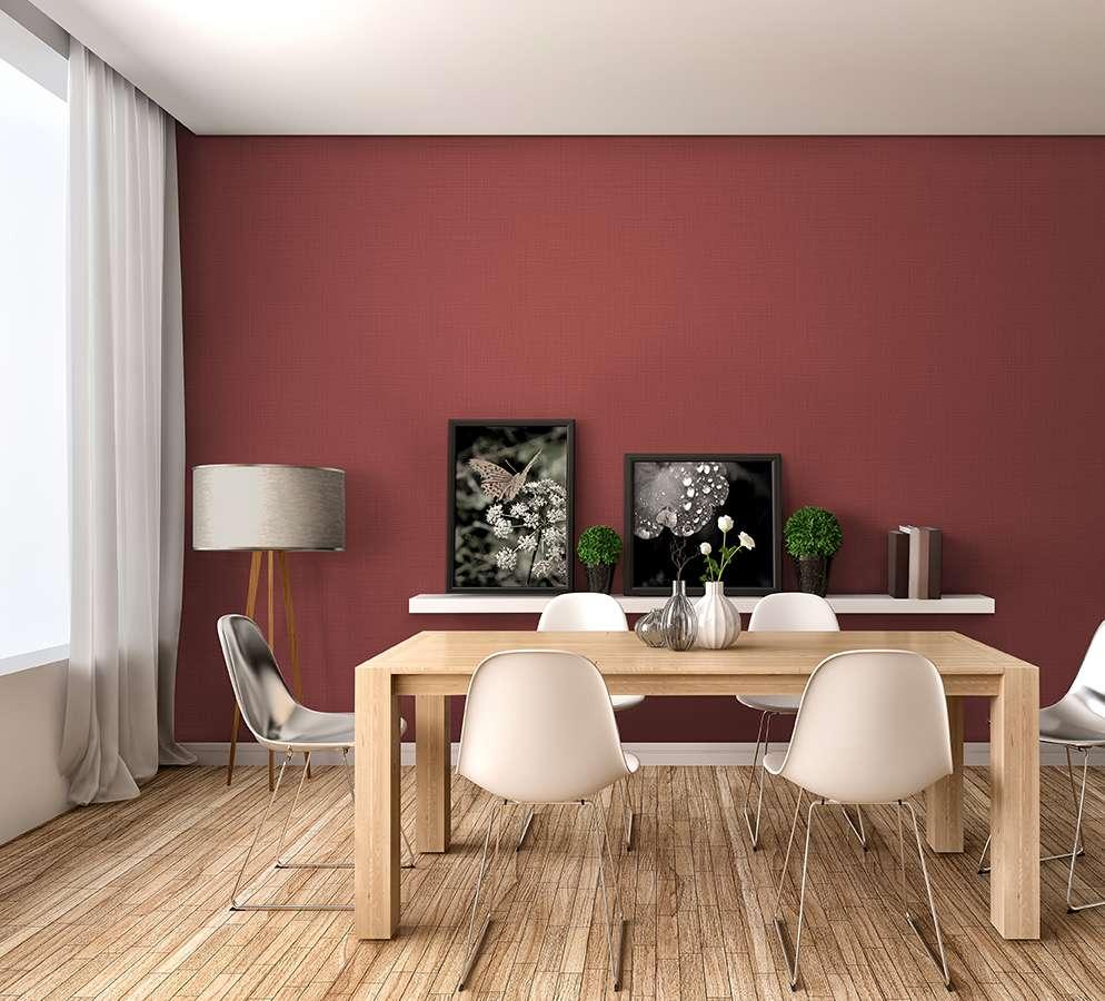 Mẫu giấy dán tường màu hồng, đỏ, tím, cam thuộc bản mệnh Hỏa sẽ tương sinh cho người thuộc cung mệnh Thổ