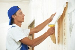 Cách bóc giấy dán tường