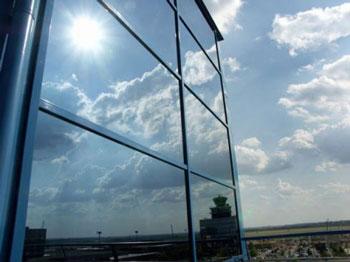 Giấy dán kính chống nắng nóng cho nhà kính