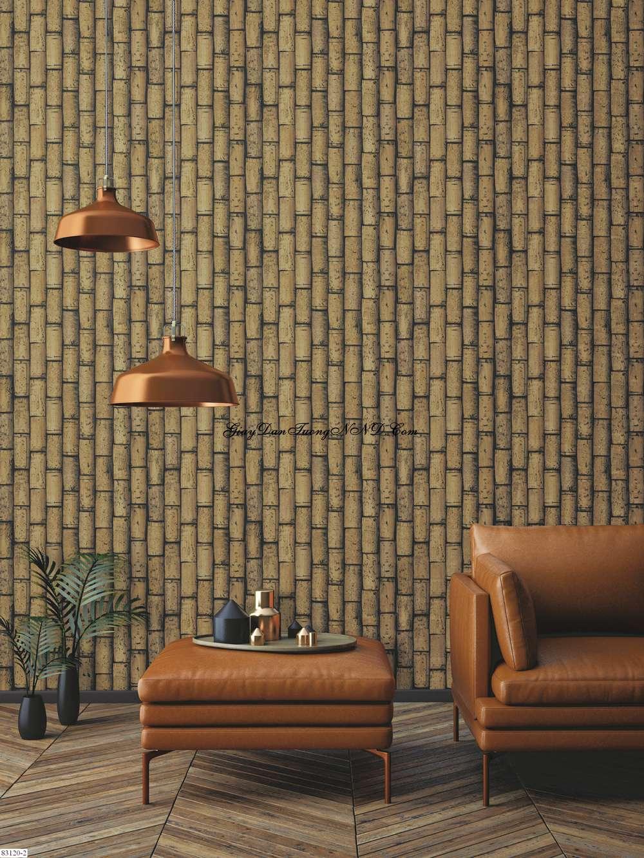 Giấy dán tường giả gỗ hình thân cây tre xếp giống vách tường trong phim Trung Quốc cổ nhìn rất độc đáo và lạ mắt