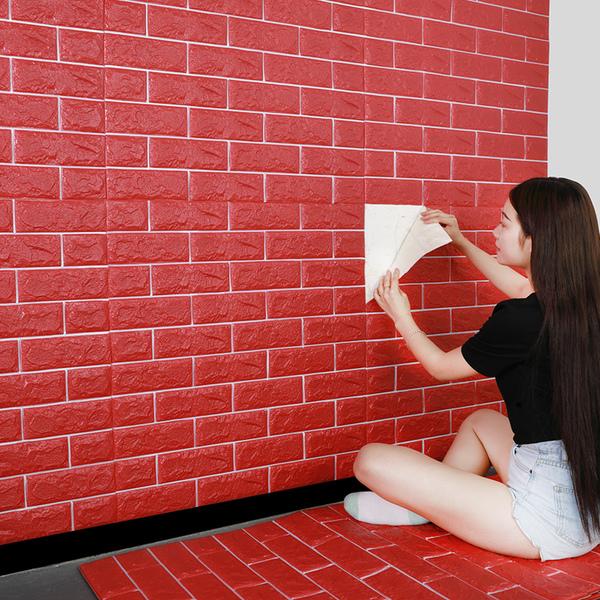 Thi công xốp dán tường vô cùng đơn giản